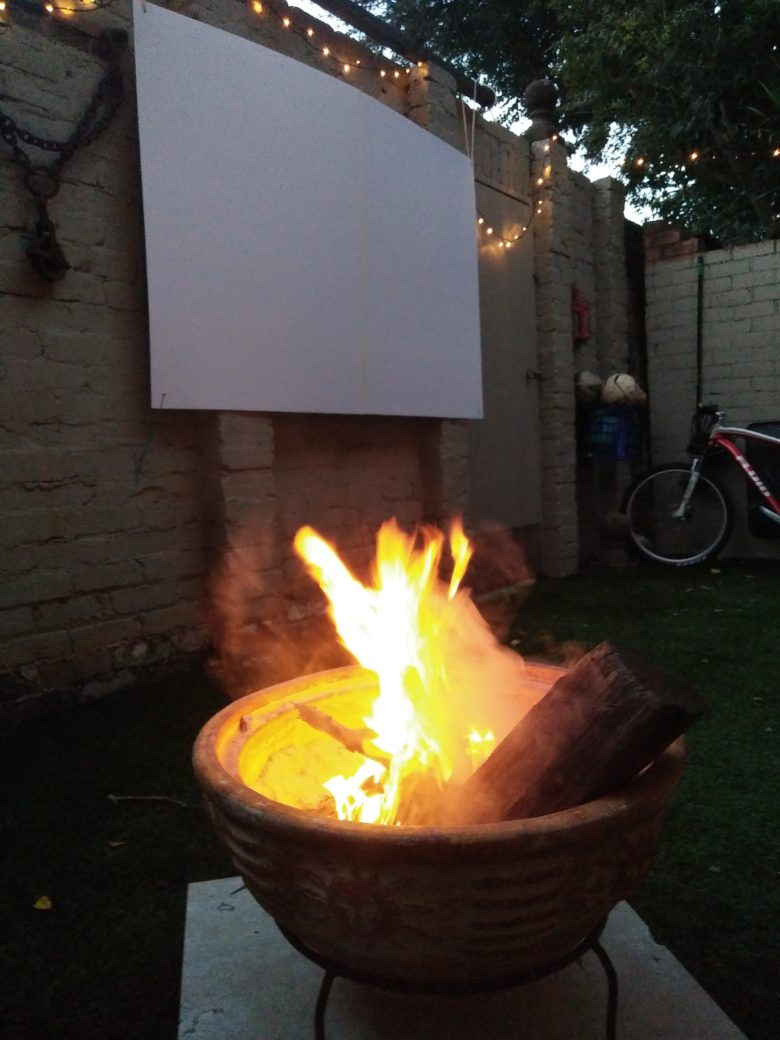 How to Make an Easy Outdoor Movie Screen